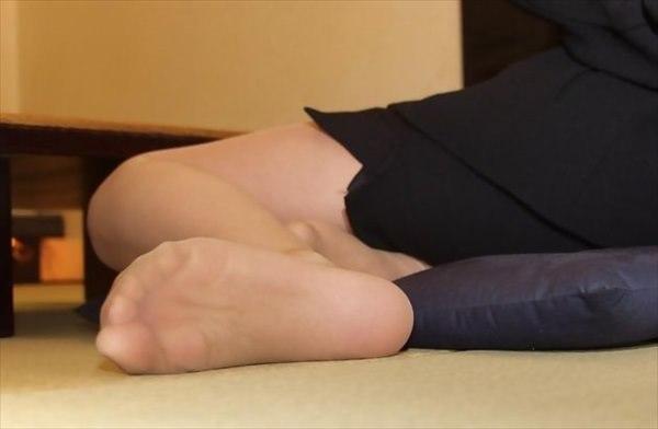 疲れたパンスト足裏の魅力を引き出す美脚女4枚目