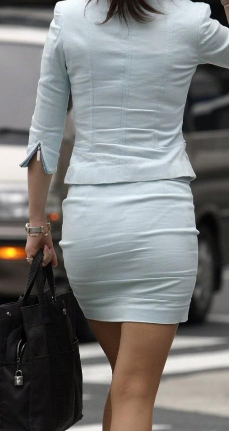 白タイトスカートパンティ透けそうなプリ尻12枚目