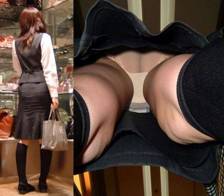 多彩なパンティを楽しめるスカートの中逆さ撮りエロ画像1枚目