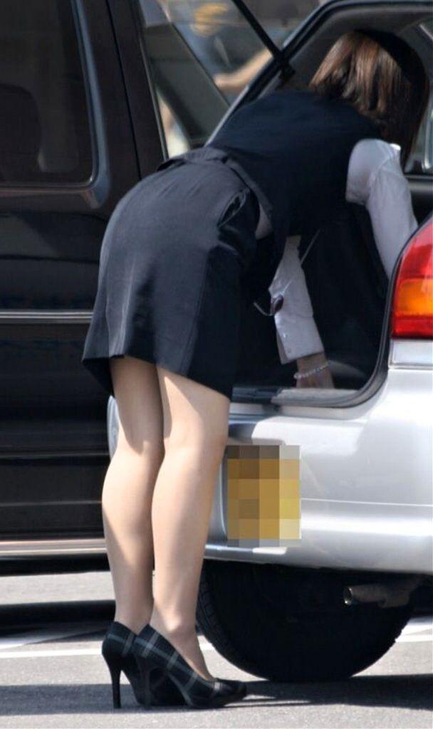パンティラインを期待するタイトスカート尻9枚目