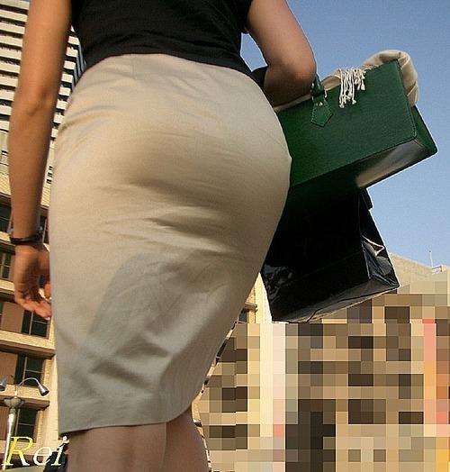 OLタイトスカート透けパンティライン画像5枚目