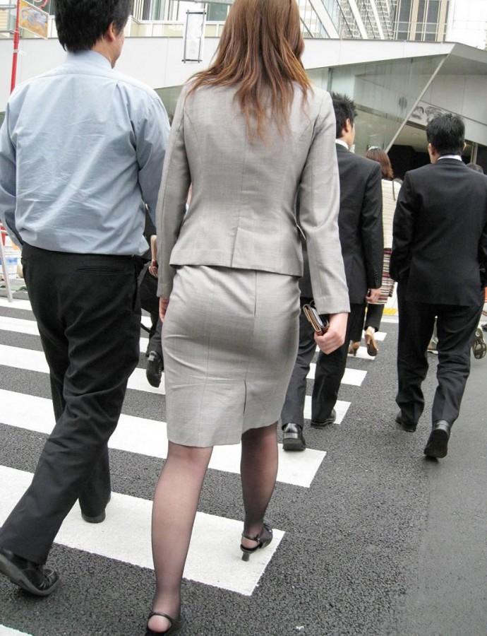 街撮りOLタイトスカート尻の形に一目惚れ画像5枚目