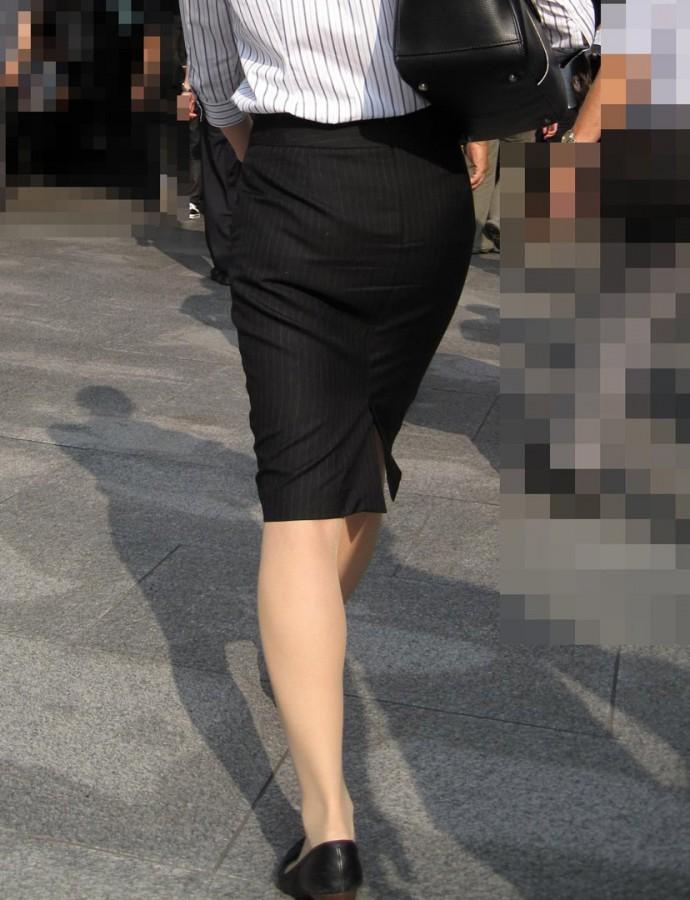 街撮りOLタイトスカート尻の形に一目惚れ画像13枚目