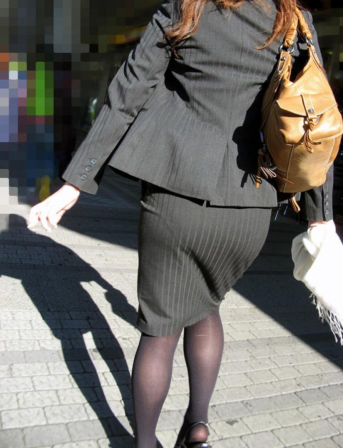 街撮りOLタイトスカート尻の形に一目惚れ画像15枚目