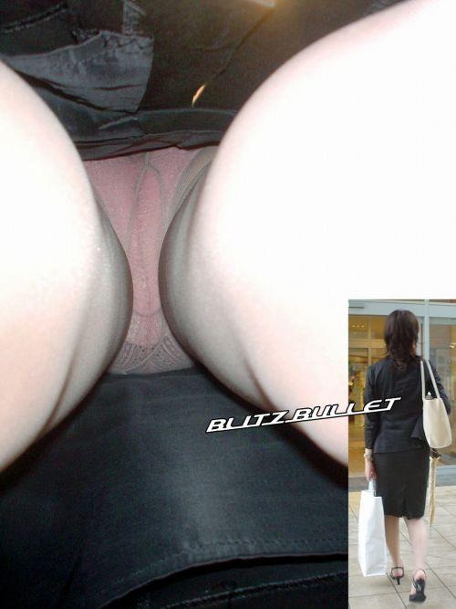 綺麗なOL系美人お姉さんのスカート逆さ撮りエロ画像9枚目
