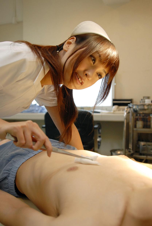 入院中の性処理してくれるナースさんエロ画像6枚目