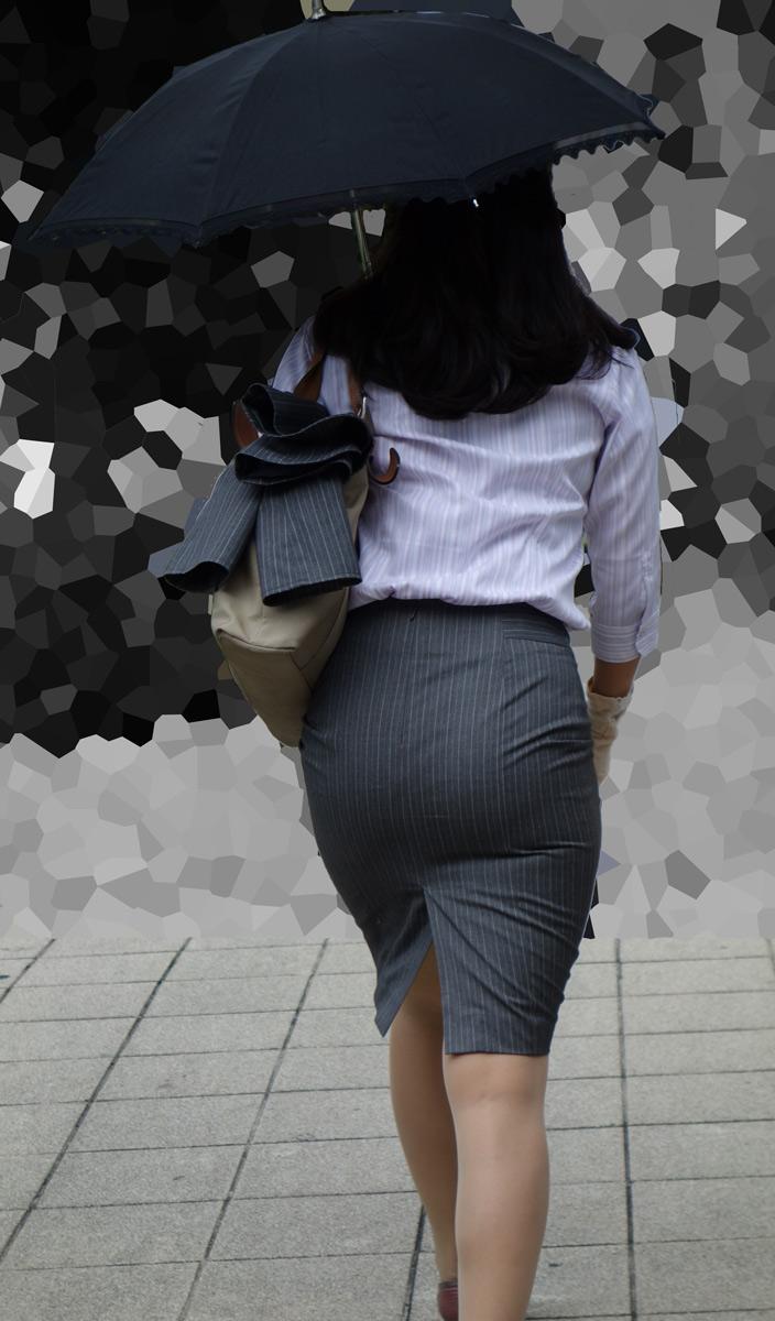 プリ尻タイトスカートOL盗撮美脚バックショット10枚目