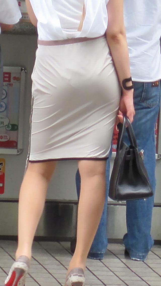 OLタイトスカート尻パンチラ透けパン太ももエロフェチ画像11枚目