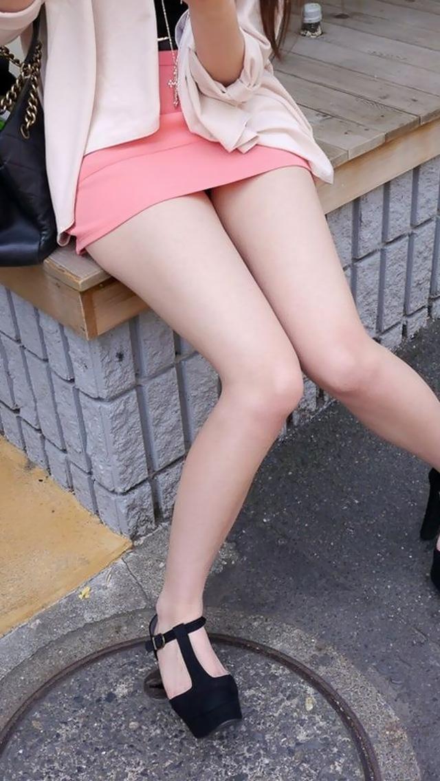 ミニスカやショートパンツのスベスベ美脚エロ盗撮8枚目