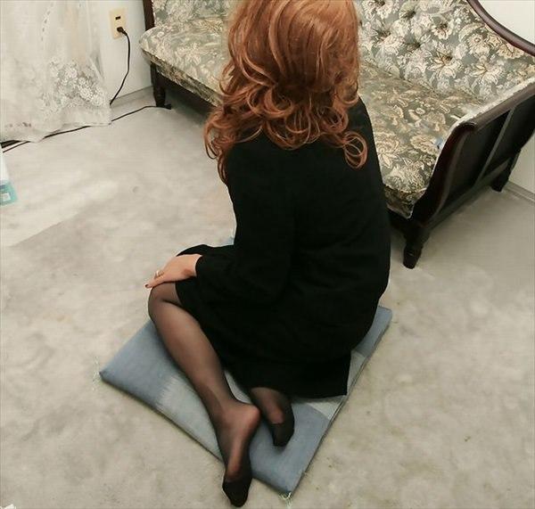 パンスト足の美脚お姉さんのエロ画像まとめ8枚目