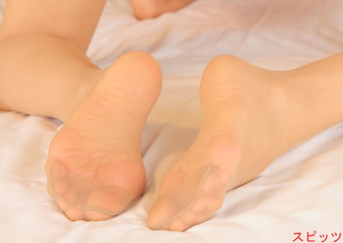 パンスト足の美脚お姉さんのエロ画像まとめ11枚目