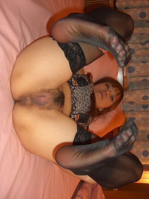 お姉さんのパンストつま先が卑猥に見えるフェチ画像5枚目