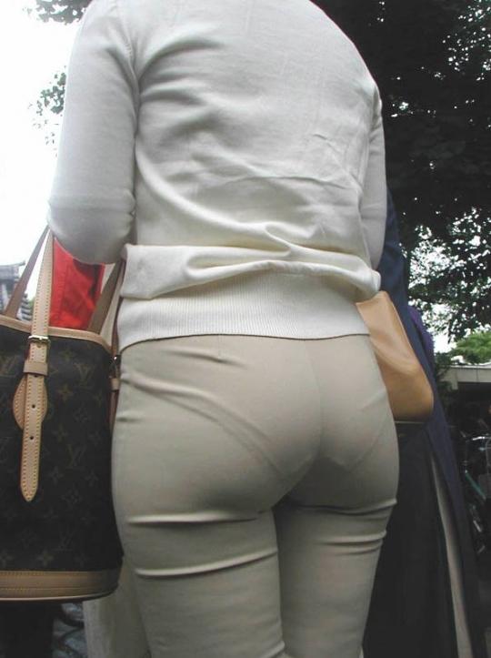 プリプリした尻とスカートのコラボフェチ画像11枚目