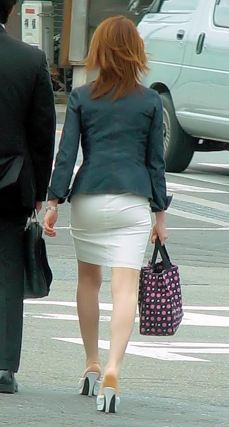 プリプリした尻とスカートのコラボフェチ画像12枚目