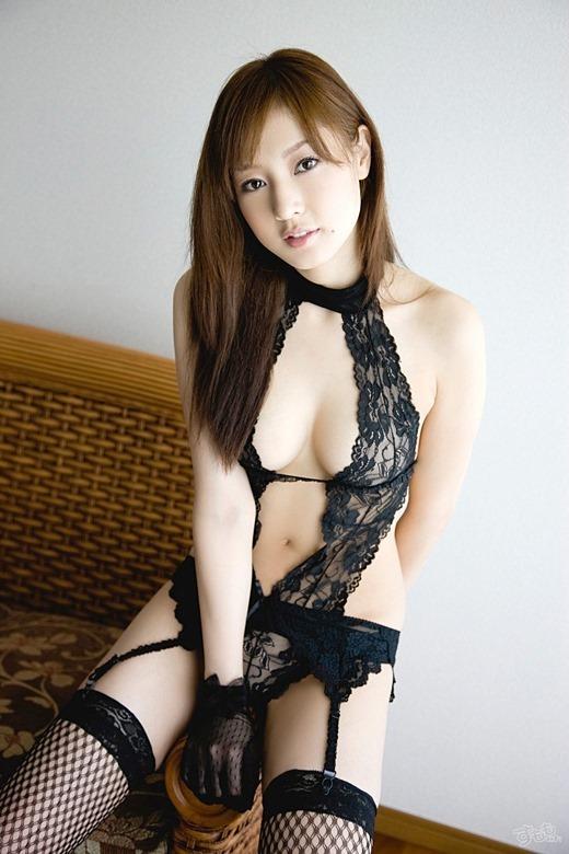 セクシーブラック痴女OLお姉さんの黒下着エロ画像3枚目