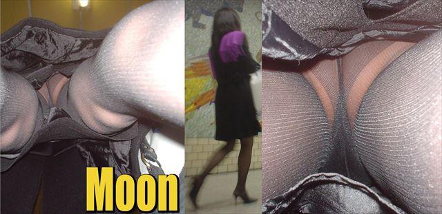 逆さ撮り盗撮に映り込む卑猥なパンスト下着エロ画像5枚目