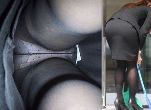 逆さ撮り盗撮に映り込む卑猥なパンスト下着エロ画像13枚目