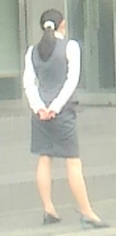 素人OL街撮り盗撮タイトスカートふくらはぎ画像8枚目