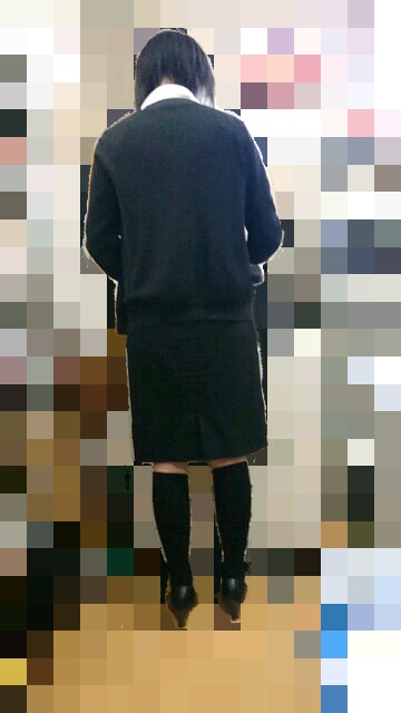 巨尻OLの後ろ姿タイトスカートエロ画像6枚目