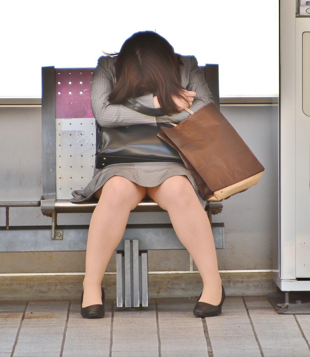 リクスーOLの初々しいお尻とタイトスカート画像6枚目