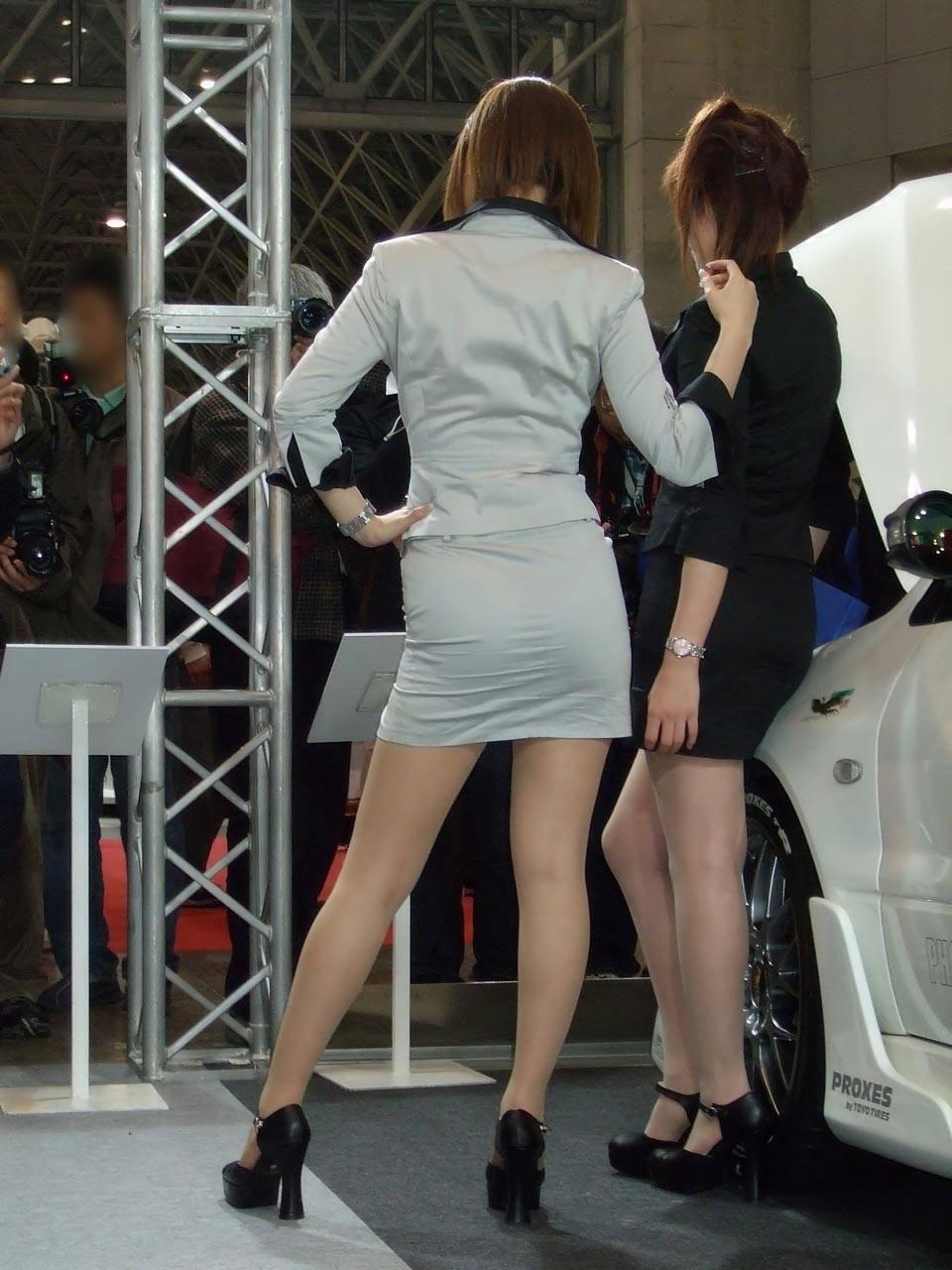 ピチピチなタイトスカートOLパンティライン画像12枚目
