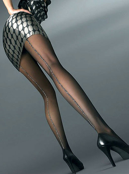 黒パンストの美脚OLのふくらはぎとつま先エロ画像12枚目
