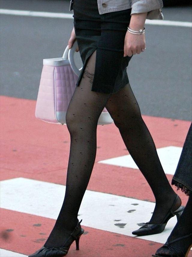 街撮り美脚スリットタイトスカートOL盗撮画像4枚目