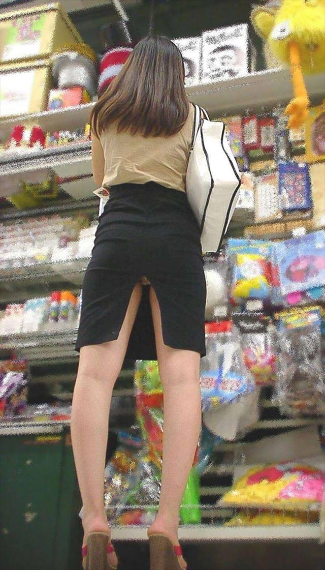 街撮り美脚スリットタイトスカートOL盗撮画像6枚目