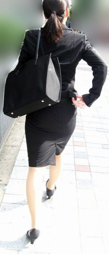 白パン透けタイトスカートパンティラインOL画像3枚目