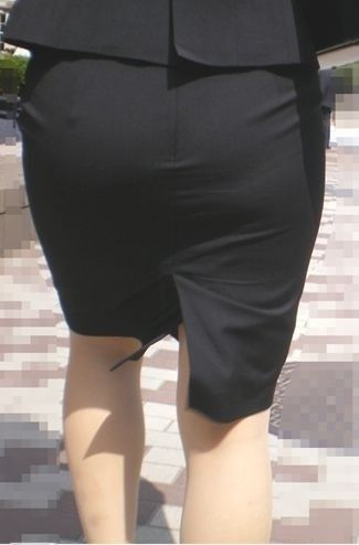 白パン透けタイトスカートパンティラインOL画像5枚目