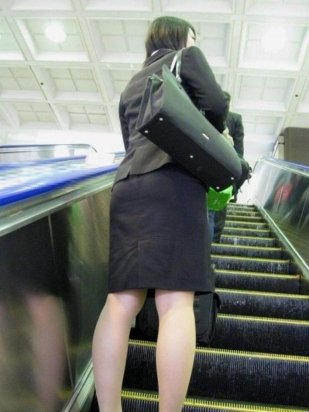白パン透けタイトスカートパンティラインOL画像7枚目