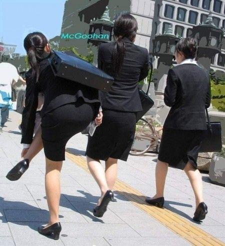 白パン透けタイトスカートパンティラインOL画像9枚目