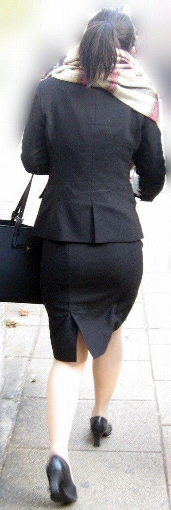 白パン透けタイトスカートパンティラインOL画像12枚目