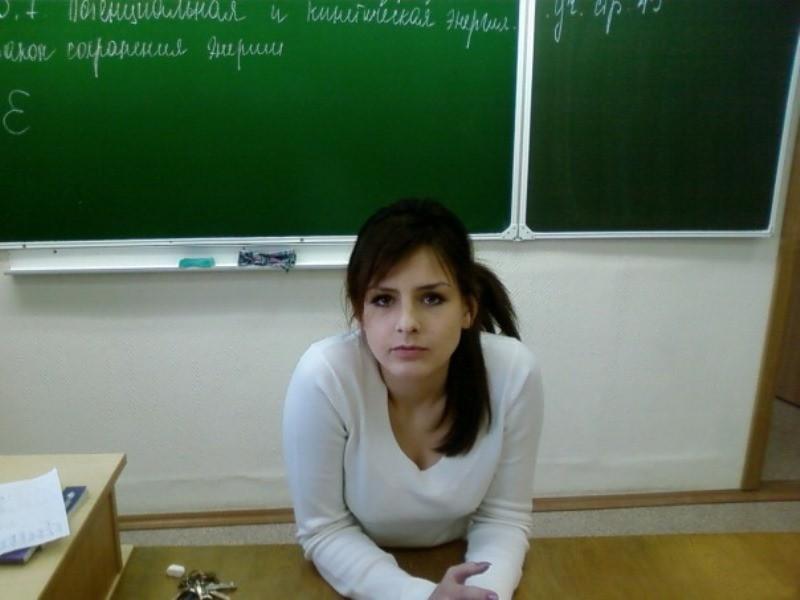 教室でパイ射セックスする女教師のエロ画像8枚目