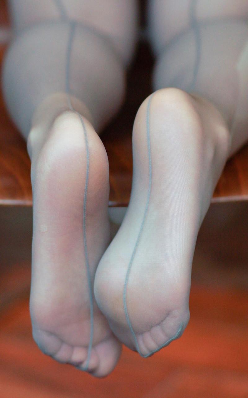 蒸れ蒸れ黒パンストOLの足裏の臭いフェチ画像16枚目