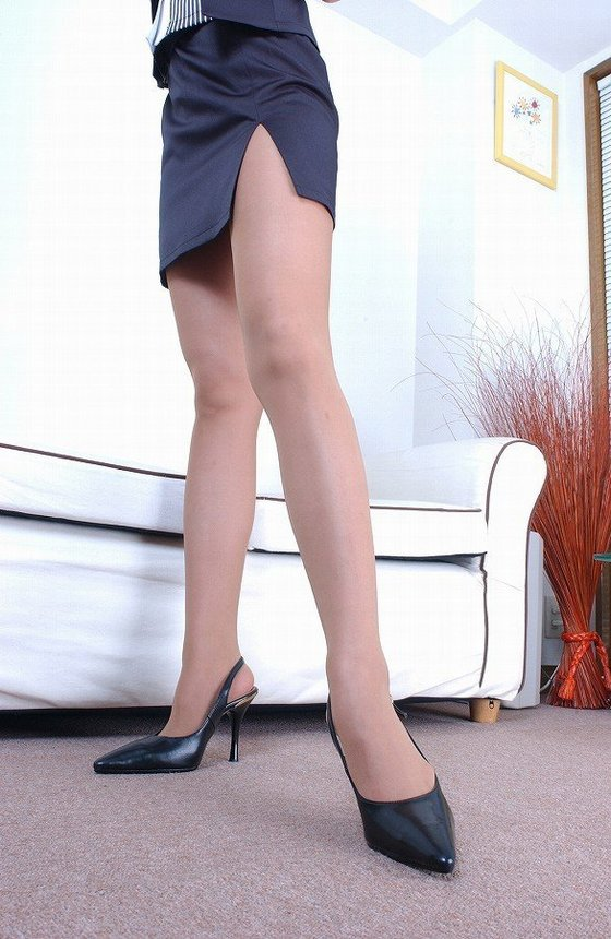 OLタイトスカートを色々なシチュエーションでのエロ画像8枚目