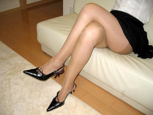 街撮りOLの魅惑美脚とタイトスカート盗撮エロ画像6枚目