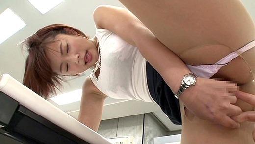 街撮りOLの魅惑美脚とタイトスカート盗撮エロ画像12枚目