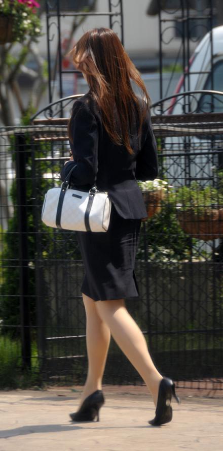 タイトスカート好きのフェチ専用美尻OL画像エロ画像5枚目