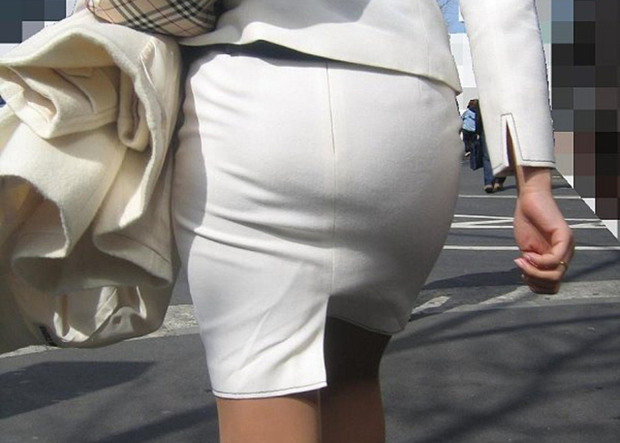 タイトスカートやパンスト姿がエロいOL画像特集13枚目