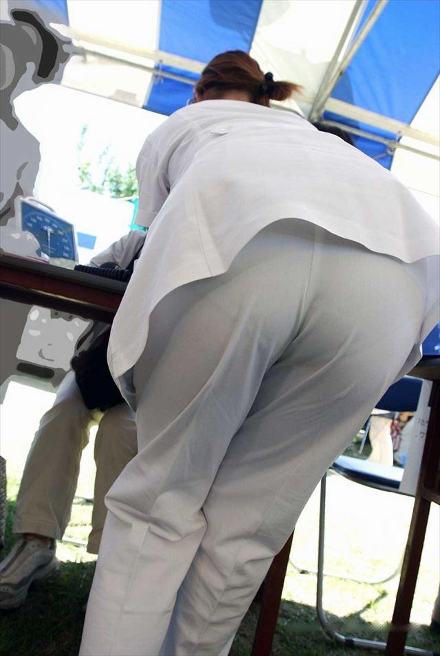巨尻素人ナースの透け白衣パンティーライン盗撮画像1枚目