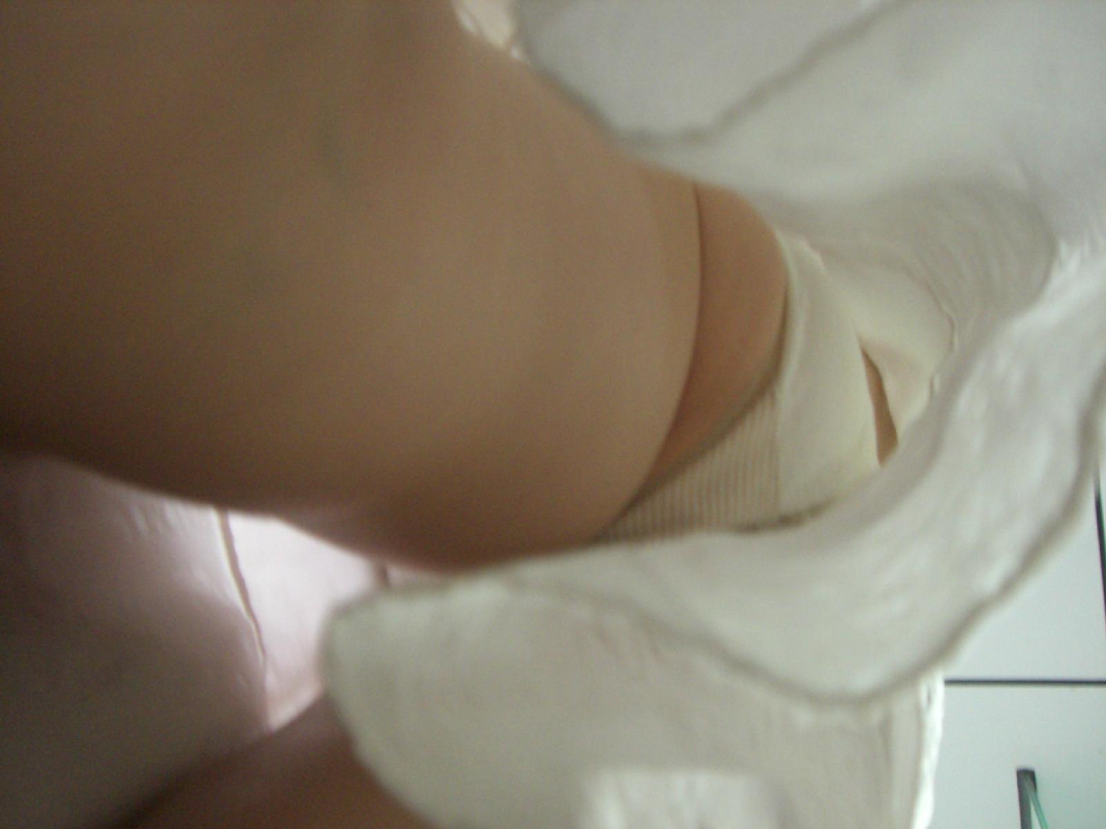 白衣ナースの透けフルバックパンティ逆さ撮りエロ画像14枚目