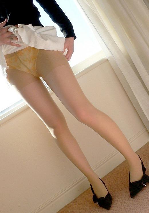 美脚が魅力的なOLタイトスカートとパンストエロ画像16枚目