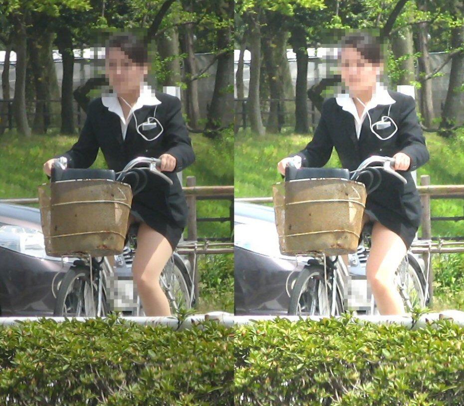 OLのたくし上りタイトスカートリクスー自転車エロ画像2枚目
