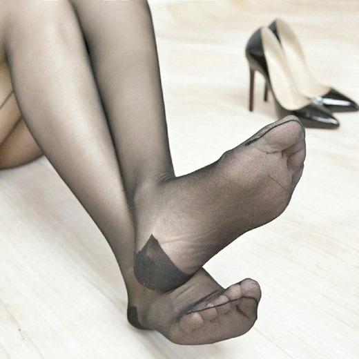 OL達の足裏と卑猥な美脚パンストの組み合わせ画像10枚目