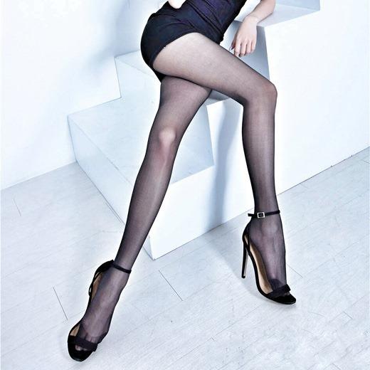 美脚OLが脚線美を魅せつけるパンストエロ画像12枚目