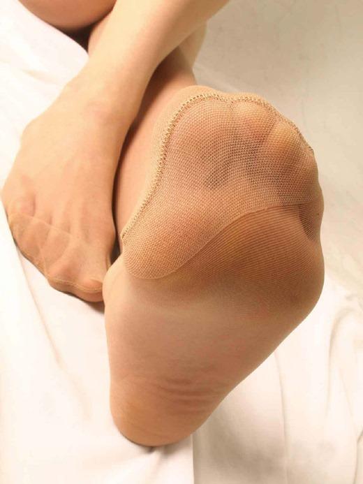 美脚OLのセクシーな足裏ホクロパンストエロ画像5枚目