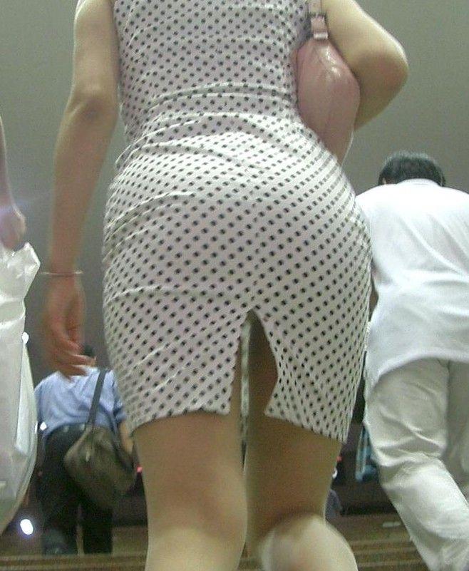 素人OLのタイトスカートパンティライン盗撮エロ画像7枚目