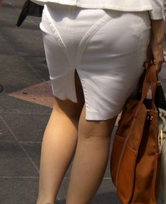 素人OLのタイトスカートパンティライン盗撮エロ画像8枚目