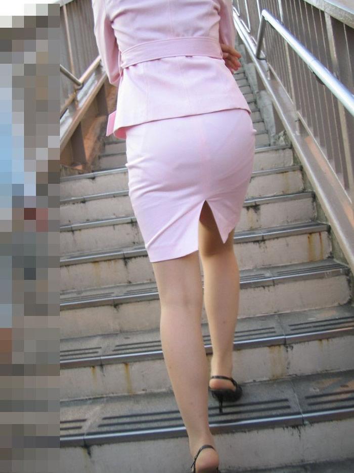 素人OLのタイトスカートパンティライン盗撮エロ画像10枚目